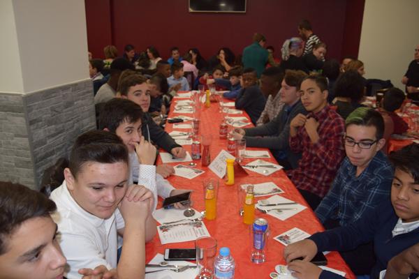 La familia del CD La Paz celebra la Navidad